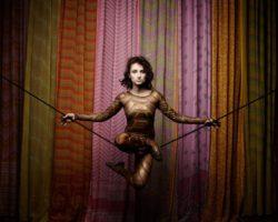 Magali Castellan - Costumière accéssoiriste - Réalisation de costumes de théâtres - Atavisme - théatre / cirque - Création et réalisation des costumes
