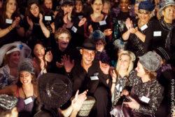 Magali Castellan - Costumière accéssoiriste - Réalisation de costumes de théâtres - Le banquet des familles recomposées - THÉATRE - Création et réalisation des chapeaux  - Création et réalisation des costumes