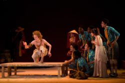 Magali Castellan - Costumière accéssoiriste - Réalisation de costumes de théâtres - Pan - théatre - Création des costumes - Création des accessoires